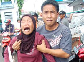 Tangisan keluarga korban bencana
